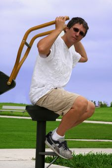 Free Working  Out In The Park Stock Photography - 6897372