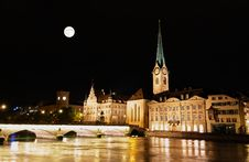 Free The Night View Of Major Landmarks In Zurich Stock Image - 6898441