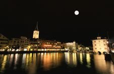 Free The Night View Of Major Landmarks In Zurich Royalty Free Stock Photography - 6898447
