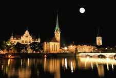Free The Night View Of Major Landmarks In Zurich Royalty Free Stock Image - 6898526