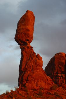 Free Balanced Rock Royalty Free Stock Photography - 691007