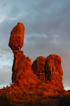 Free Balanced Rock Royalty Free Stock Photo - 691015