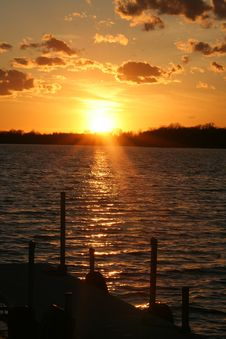 Free Sunset Over Water Royalty Free Stock Photos - 693178