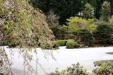 Free Japanese Garden Royalty Free Stock Photos - 693458