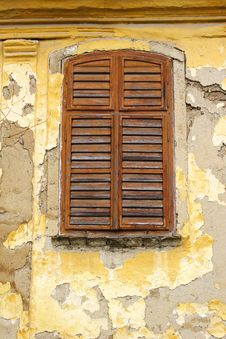 Free Window Shutters And Old Paint Stock Images - 694044