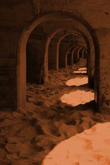 Free Concrete Tunnel Royalty Free Stock Photos - 695788