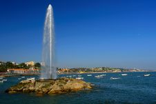 Free Sea Water Fountain Royalty Free Stock Photo - 696635
