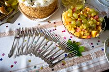 Free Birthday Table Setting Stock Images - 6900944