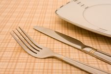 Free Plate With Fork And Knife Stock Photography - 6902092