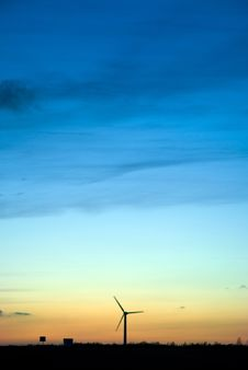 Free Windmill Royalty Free Stock Photo - 6902545