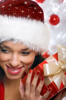 Free Smiling Christmas Woman Royalty Free Stock Images - 6905539