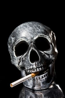 Free Smoking Skull Royalty Free Stock Photography - 6906947