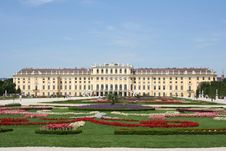 Free Schoenbrunn Palace, Vienna Royalty Free Stock Image - 6907766