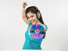 Free Woman With Headphones Royalty Free Stock Photos - 6910778