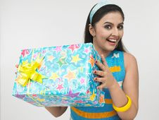 Free Asian Girl With A Gift Box Stock Photos - 6911333