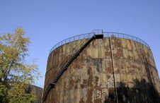 Free Oil Tank With Stairs Royalty Free Stock Photography - 6914397
