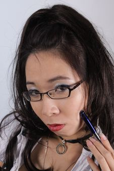 Free Young Lady With Glasses Concentrating Stock Photography - 6914822