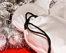 Free Xmas Decoration With Gift Bag Royalty Free Stock Photos - 6918538