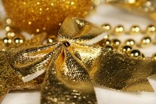 Free Golden Christmas Ornament Royalty Free Stock Photos - 6919888
