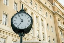 Free Clock In The City Royalty Free Stock Photo - 69144255