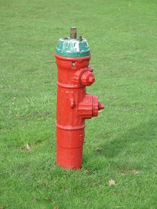 Free Red Fire Hydrant Stock Photo - 6921940