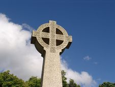 Free Ancient Celtic Cross Against Sky In Wales Royalty Free Stock Images - 6922839