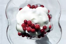 Red Berry With Cream Royalty Free Stock Images