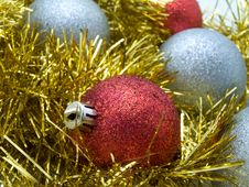 Free Decorative Christmas Bauble Royalty Free Stock Images - 6924929