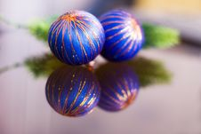Free Christmas Balls Royalty Free Stock Image - 6939486