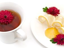 Free Tea, Lemon And Flowers Stock Images - 6952994