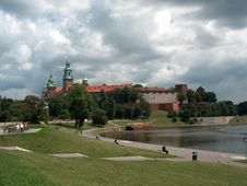Free Royal Castle In Cracow Royalty Free Stock Images - 700169