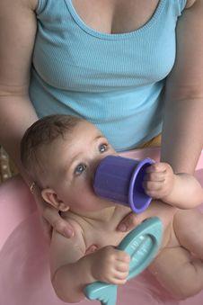 Free Baby Bath5 Royalty Free Stock Image - 702046