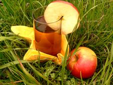Free Apple Drink Stock Photography - 704382