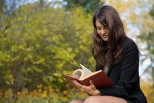 Free Young Girl Reading A Book Stock Photo - 7008600