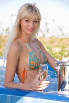 Free Pretty Girl In Jacuzzi Royalty Free Stock Photo - 7008835