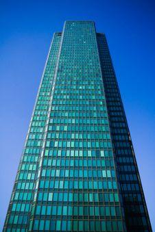 Free Modern European Skyscraper Royalty Free Stock Image - 7009396