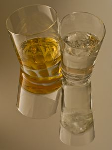 Free Whisky And Ice Water Royalty Free Stock Photo - 7012645