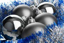 Free Dark Balls On Tinsel Royalty Free Stock Photos - 7015698