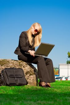 Free Businesswoman Working On Laptop Stock Photography - 7017572