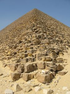 Free Pyramid Royalty Free Stock Images - 7019609