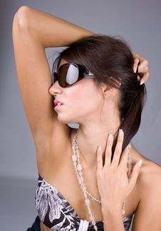 Free Beautiful Brunette Hold On A Head Royalty Free Stock Photography - 7020737