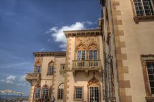 Free Southern Facade Of A Venetian-style Mansion Royalty Free Stock Image - 7022196
