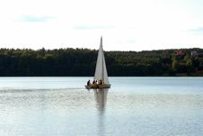 Free Sailing On The Bay Royalty Free Stock Photos - 7028598