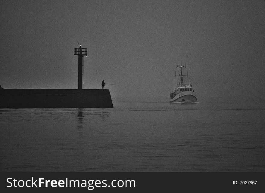 Ship in port (fog).