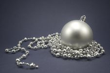 Free Christmas Ball Royalty Free Stock Photos - 7031048