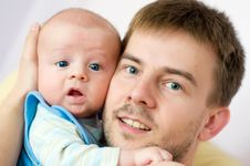 Free Father And Newborn Stock Photography - 7032802