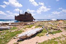 Free Rubbish Rusty Wreck Stock Photography - 7033202