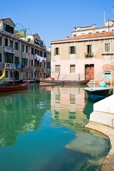 Free Venice Canal Royalty Free Stock Photos - 7036478
