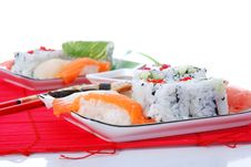 Free Sushi And Maki Royalty Free Stock Images - 7039439