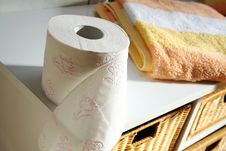 Free Toilet Paper Stock Images - 7044694